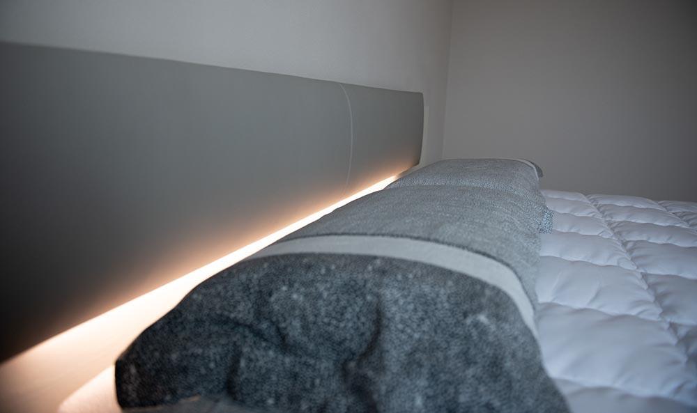 luce testiera letto padova