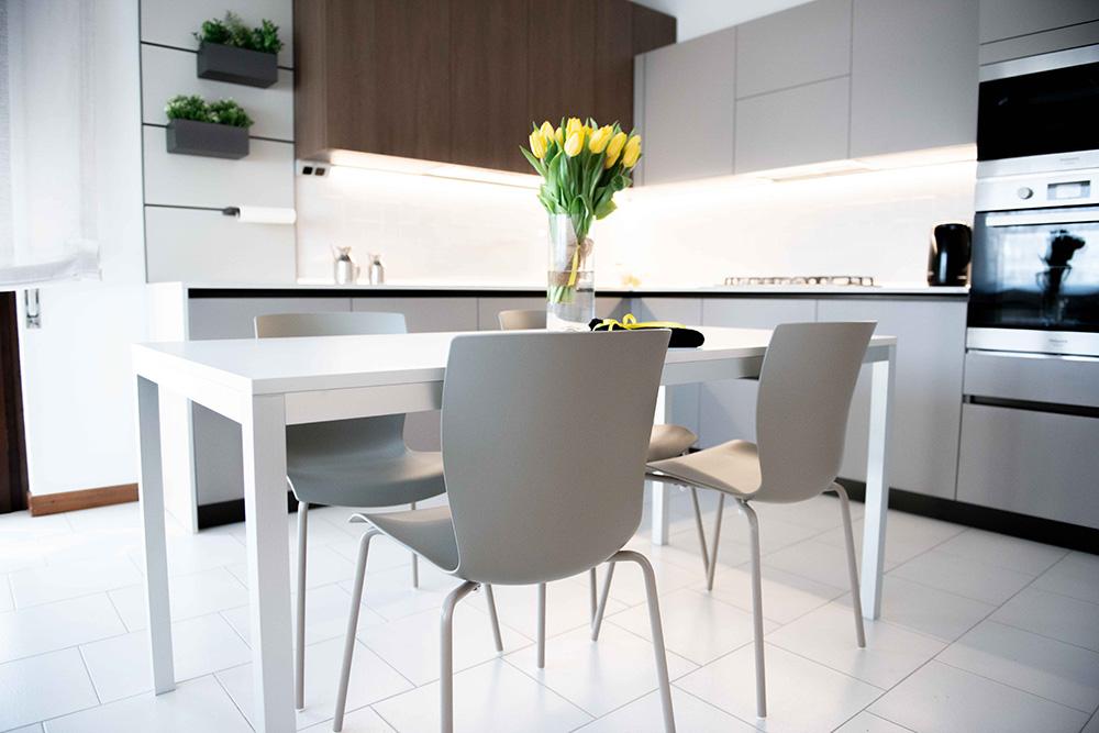 tavolo bianco cucina verona