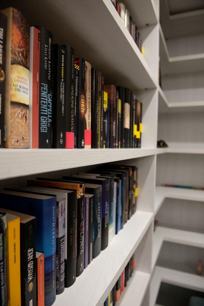 libreria su misura verona